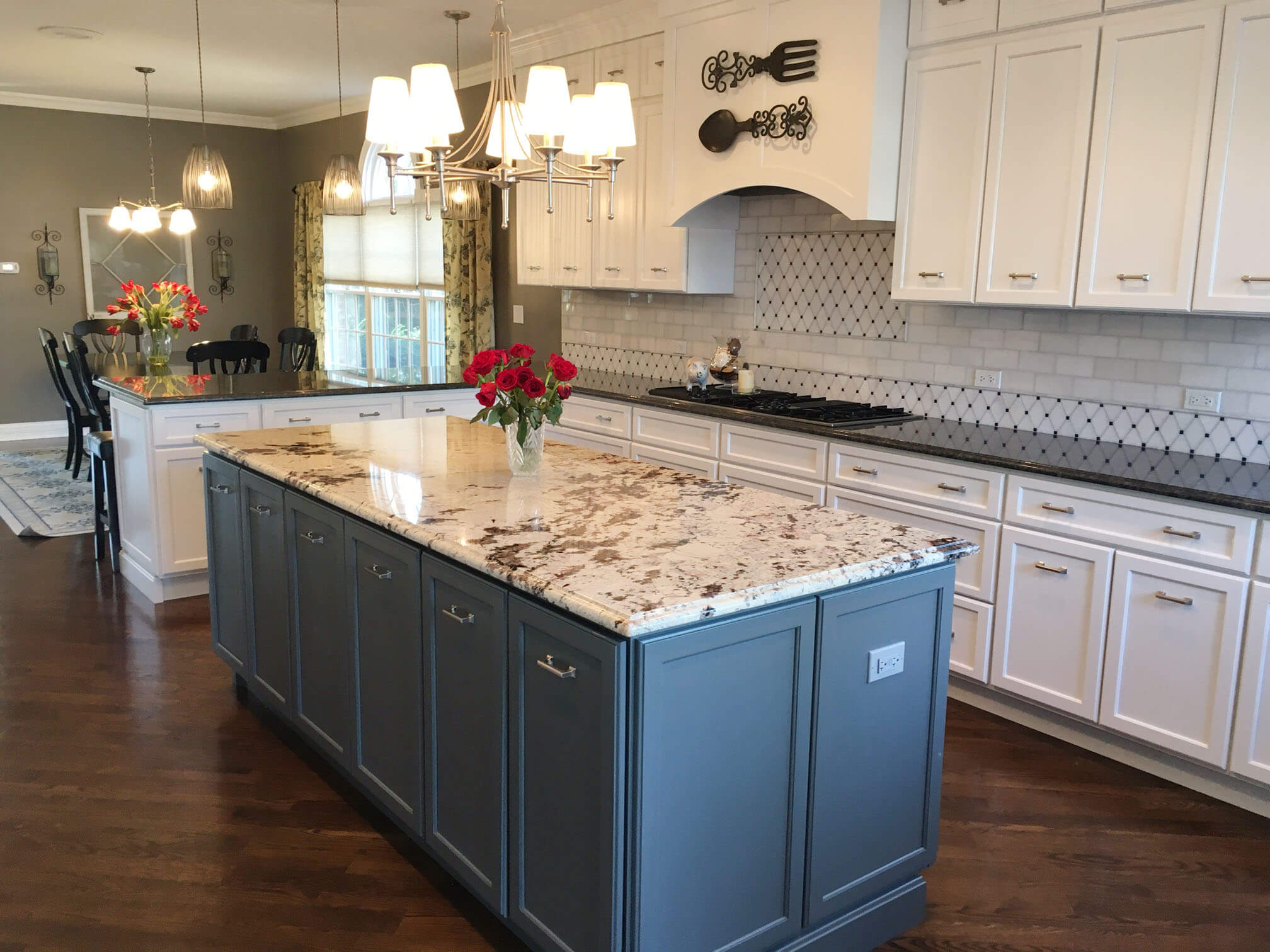 Two-Toned Graphite and White Kitchen in Park Ridge